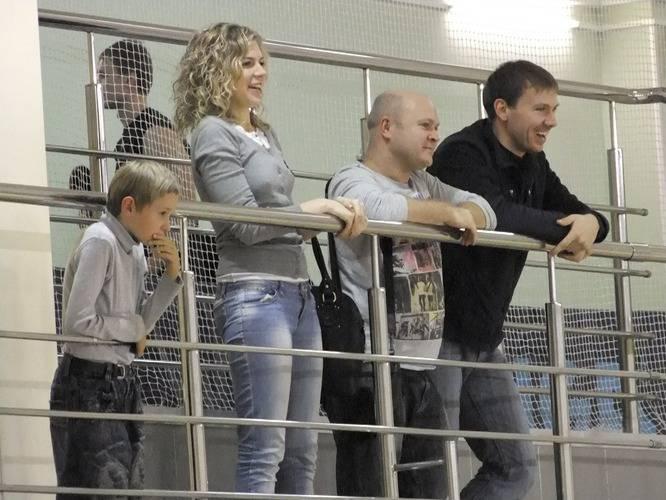«Волна-ФФК» - «Текс-НН», 5:5. Артём Жемчуг (крайний слева) – с детства за «Волну»! Теперь он уже внимательнее следит за игрой.